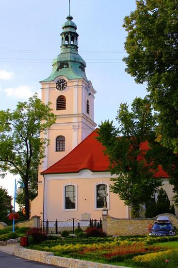 8. Kościół parafialny pw. św. Jacka.jpeg