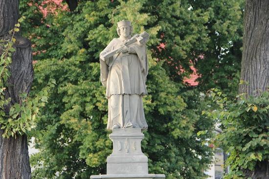 24. Figura św. Jana Nepomucena w Kamieniu Śląskim..jpeg