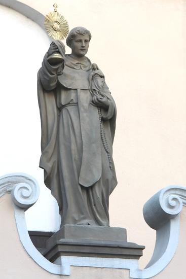 4. Figura św. Jacka przy kosciele w Kamieniu Śląskim.jpeg